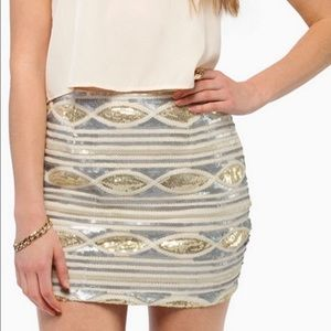 NWT📌 Tobi Aztec Sequin Mini Skirt Gold and Silver